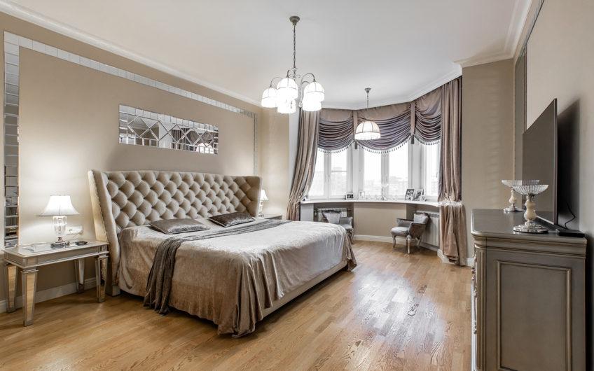Шикарная 5-комнатная квартира с потрясающим видом на Неву!